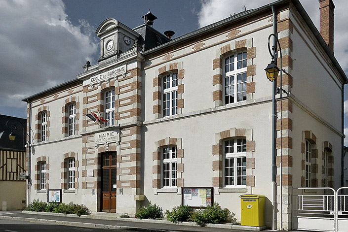 photo La chapelle d'Angillon - mairie